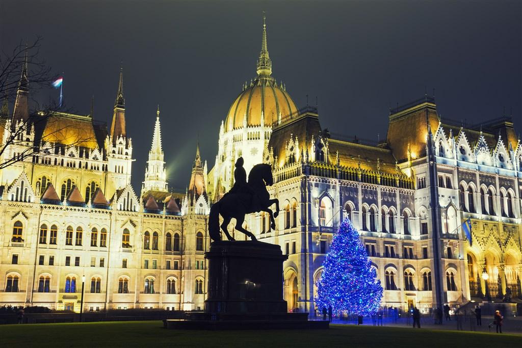 Adventní Budapešť s přespáním -