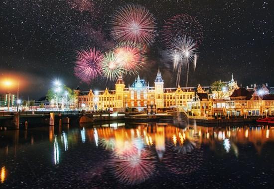 Silvestrovské oslavy v Amsterdamu -