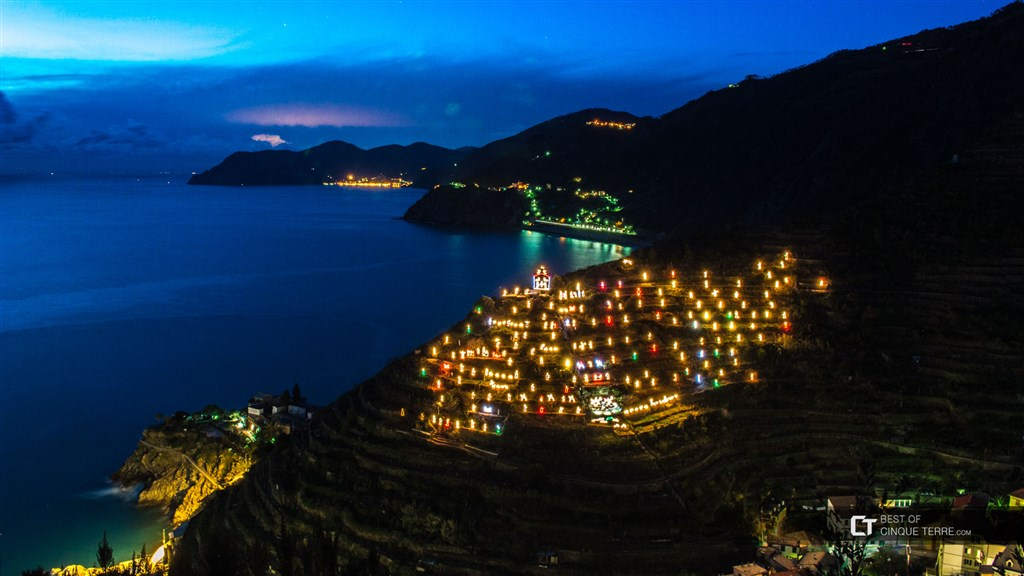 Cinque Terre a světelný betlém -