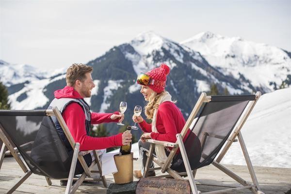 Jednodenní lyžování v Skicircusu - Saalbachu -