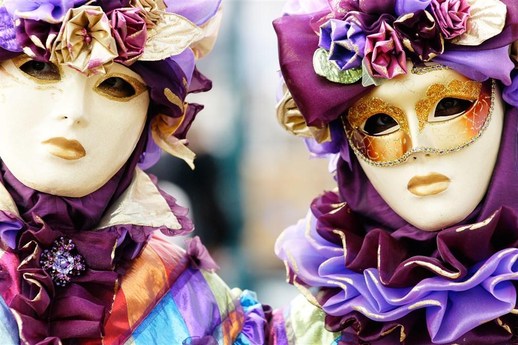 Karneval v Benátkách a ostrov Burano -